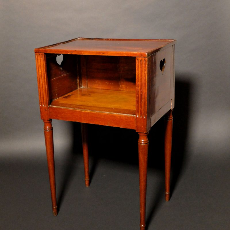 Table nantaise d'époque Louis XVI